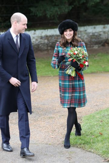 KING'S LYNN, ENGLAND - DECEMBER 25:  Prince William, Duke of Cambridge, and Catherine, Duchess of Cambridge attend Christmas Day Church service at Church of St Mary Magdalene on December 25, 2017 in King's Lynn, England.  (Photo by Chris Jackson/Getty Images)